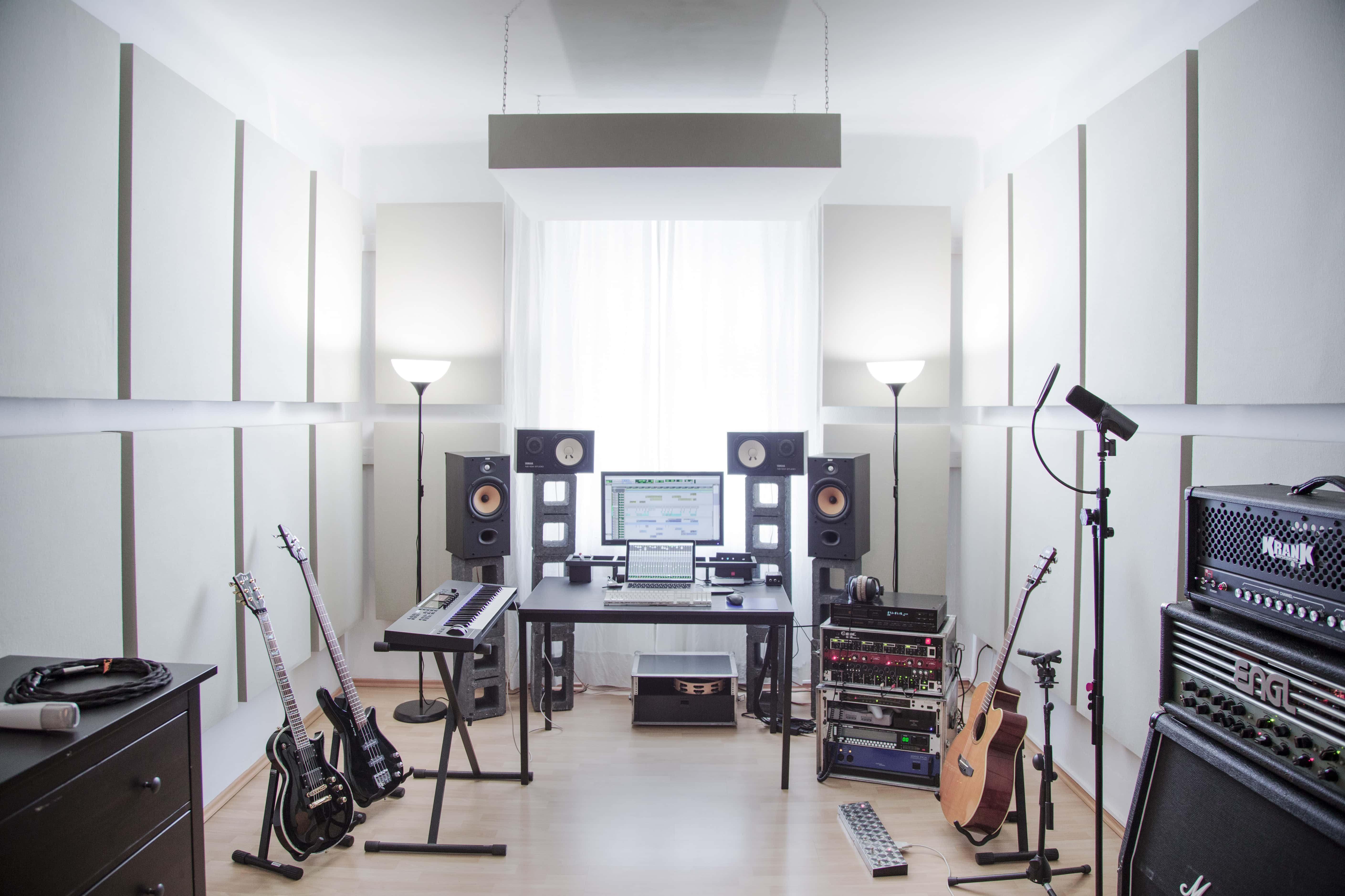 mixing and mastering studio in Vienna - by Moritz Grusch